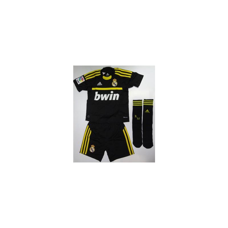 Portero adidas negro amarillo kit portero negro amarillo for Outlet porte romanina