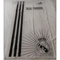 Toalla oficial Real Madrid CF. adidas